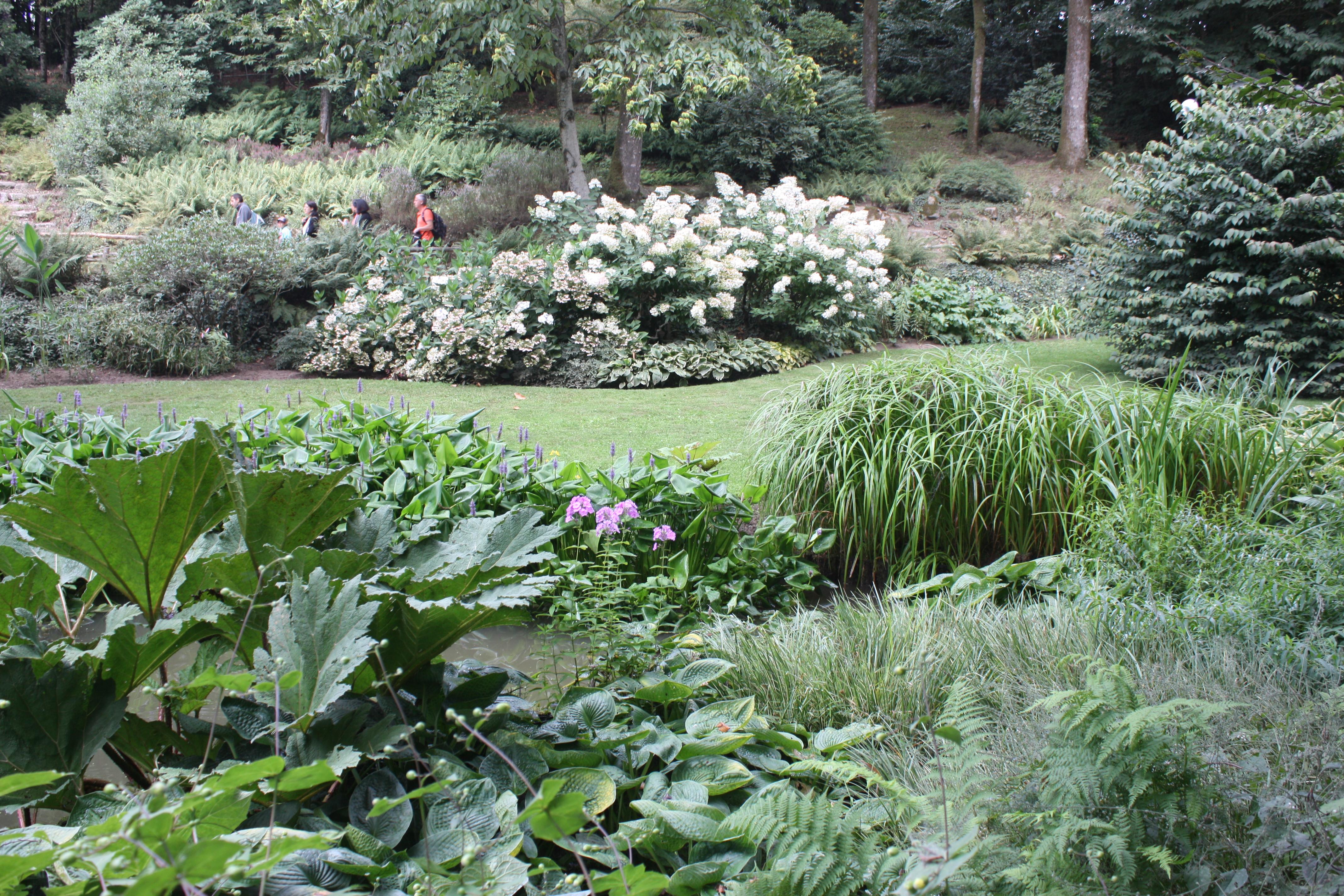 Un des plus beau jardin de style anglais ma campagne for Plantes vivaces pour jardin anglais